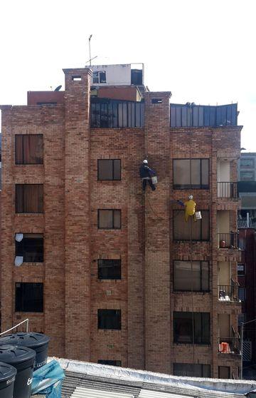 Nettoyage façade équilibriste