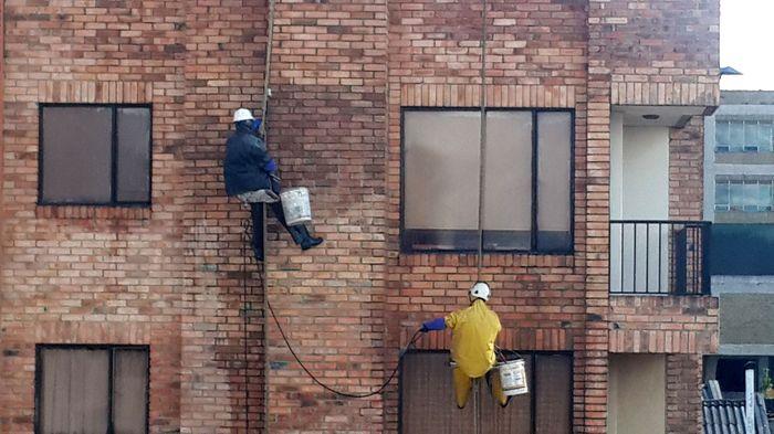 Nettoyage façade équilibriste_02